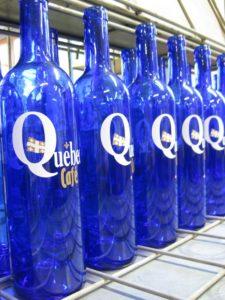 Bouteille en verre personnalisée quebec café bordeaux gravure sur verre